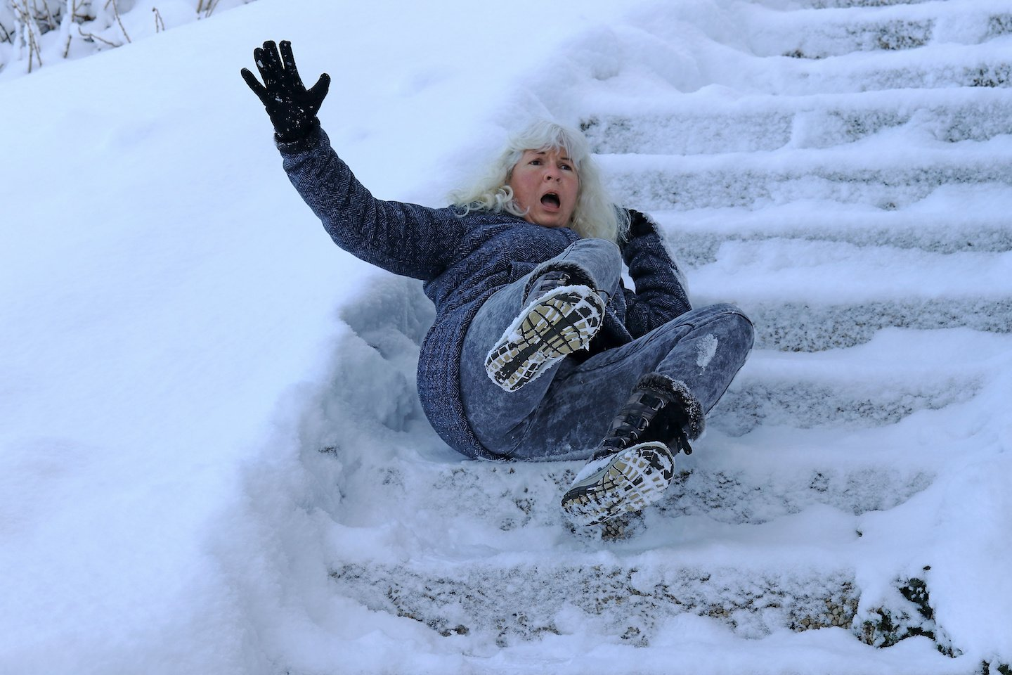 slip and fall on icy stairs